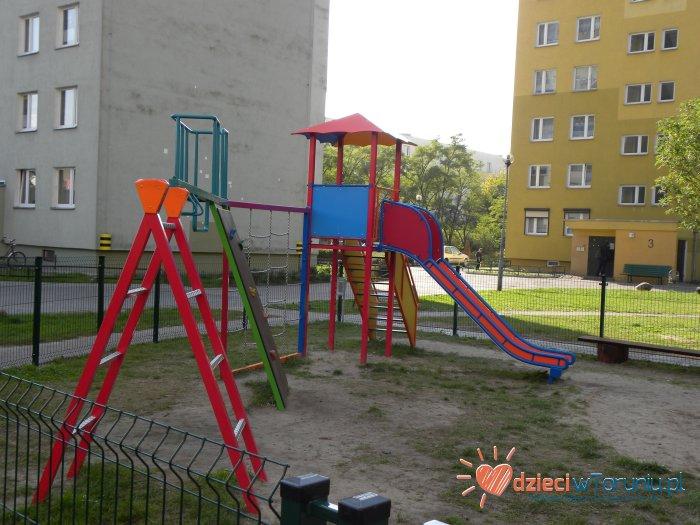 Dla dzieci w Toruniu: Plac zabaw – Jamontta