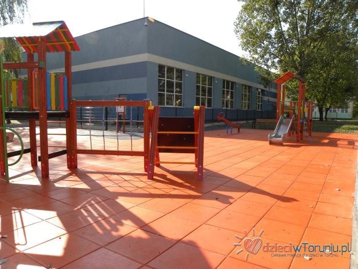 Dla dzieci w Toruniu: Plac zabaw – Łyskowskiego